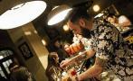 Salón Berlín, un bar barbería bárbaro