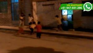 Niños manipulan pirotécnicos sin vigilancia de adultos (VIDEO)