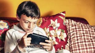 Seis consejos para animar a tus hijos a jugar al aire libre
