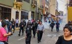 Segundo día de marcha de trabajadores estatales en Av. Abancay