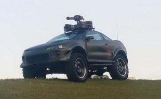 ¡Insólito! Se vende el primer auto para matar zombies [FOTOS]