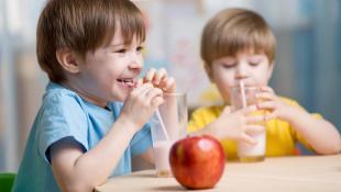 Qué deben comer tus hijos en época de exámenes escolares