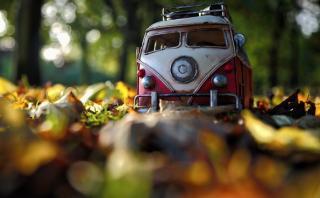 Fotógrafa retrata los viajes de su colección de carros