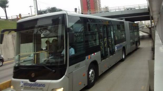 Metropolitano: falla en letreros de los buses generó confusión