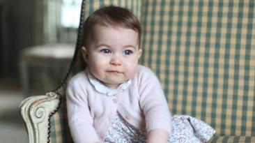 Comparten nuevas y tiernas imágenes de la princesa Charlotte
