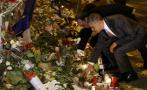 Hollande y Obama acuden al Bataclan para homenajear a víctimas