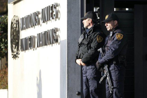 La Policía reforzó la seguridad  en sedes diplomáticas ante alerta antiterrorista. (Foto: Reuters)