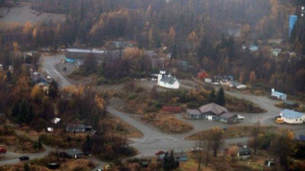 Tyonek es un pueblo de pescadores ubicado al sur de Alaska, en la ensenada Cook, cerca de donde desemboca el río Chuitna.  (Foto: BBC)