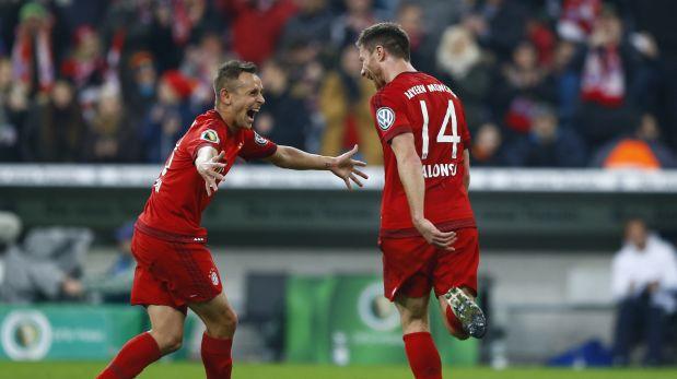 Xavi Alonso abrió el marcador en el duelo Bayern Múnich-Darmstadt 98 por la Copa Alemana. (Foto: AP)