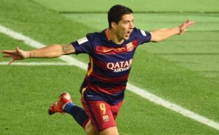Luis Suárez marcó de cabeza el tercer gol para FC Barcelona