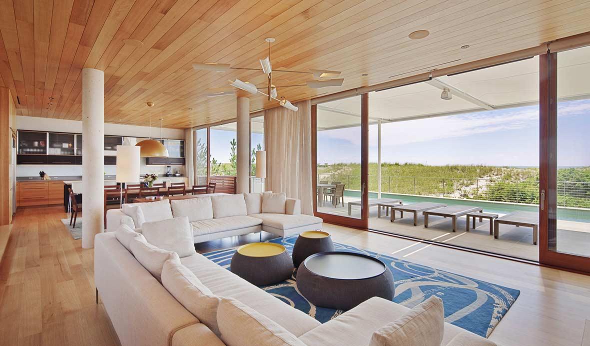 Aprende a cuidar bien de la madera dentro de tu casa de for Decoracion de casas de playa modernas