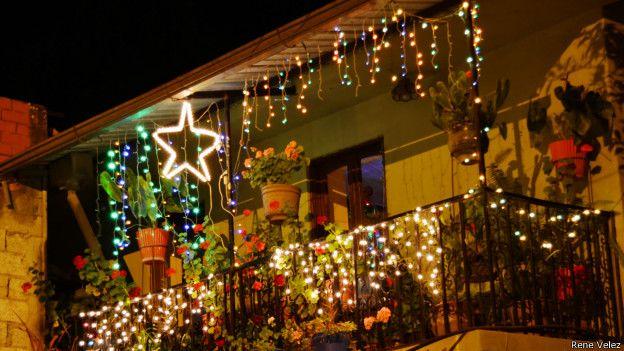 Foto la decoraci n de navidad vista por lectores de la for Decoracion de balcones navidenos