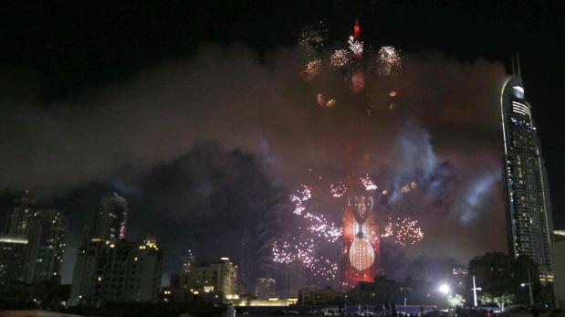 Al menos 16 personas resultaron heridas a causa del incendio en Dubái en víspera de Año Nuevo. (Foto: AFP)