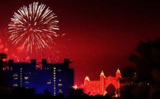 Pese a incendio en hotel de lujo, Dubái celebra Año Nuevo 2016