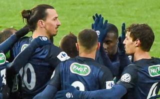 Ibrahimovic anotó en el triunfo del PSG con ¿la nuca? [VIDEO]