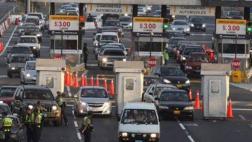 Más de 180 policías controlan el retorno de vehículos del sur