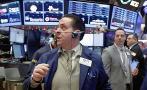 Wall Street se hunde e inversores buscan activos de refugio