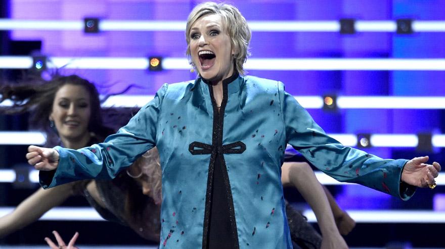 Jane Lynch en el inicio de los People's Choice Awards. (Foto: AP)