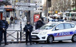 Un hombre armado fue abatido frente a comisaría de París