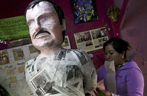 Ya salieron las piñatas de El Chapo Guzmán y Kate del Castillo