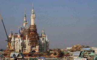 Así va la construcción del primer parque Disney en China