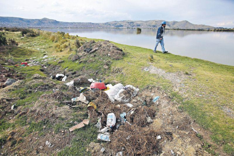 Este año se iniciará el proyecto binacional de descontaminación del lago Titicaca. (Alessandro Currarino / Archivo El Comercio)