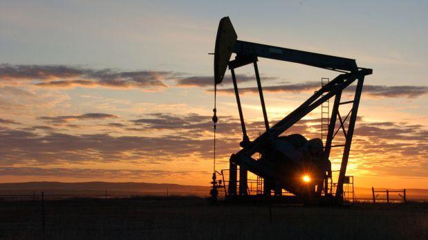 Demanda de petróleo caerá en 2017, pero EEUU producirá más