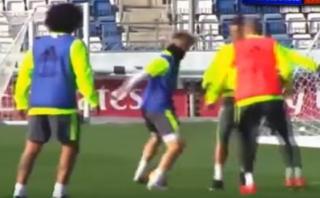 Cristiano Ronaldo es avergonzado por jugador de 17 años [VIDEO]