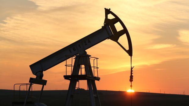 Precio de petróleo cae e inventarios despiertan incertidumbre