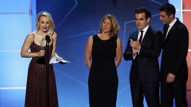 Rachel McAdams acepta premio al Mejor Elenco por