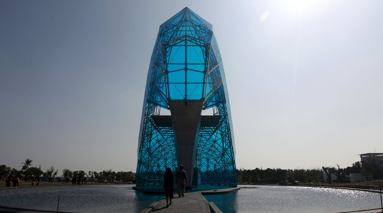 [Foto] Mira esta impresionante iglesia de cristal con forma de zapato