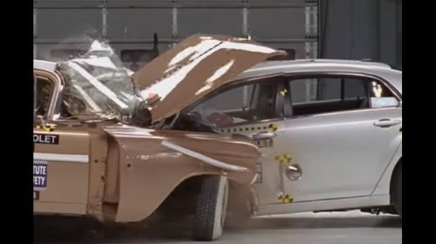 Autos modernos vs. antiguos: ¿cuál es más resistente? [VIDEO]