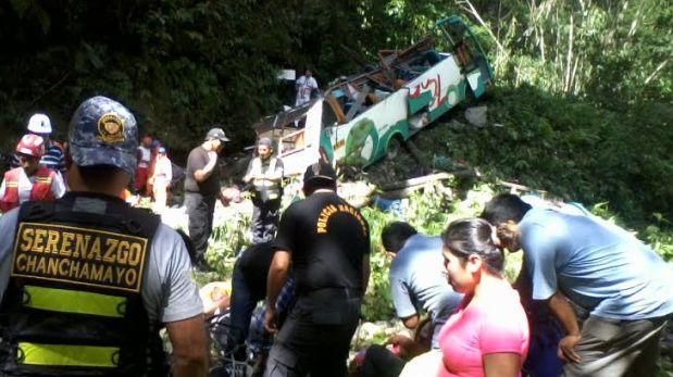 Junín: policía confirma muerte de 17 personas por caída de bus