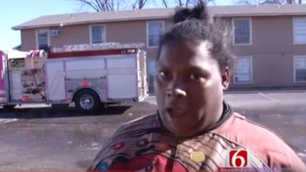 Mujer convierte el incendio de su casa en un fenómeno viral