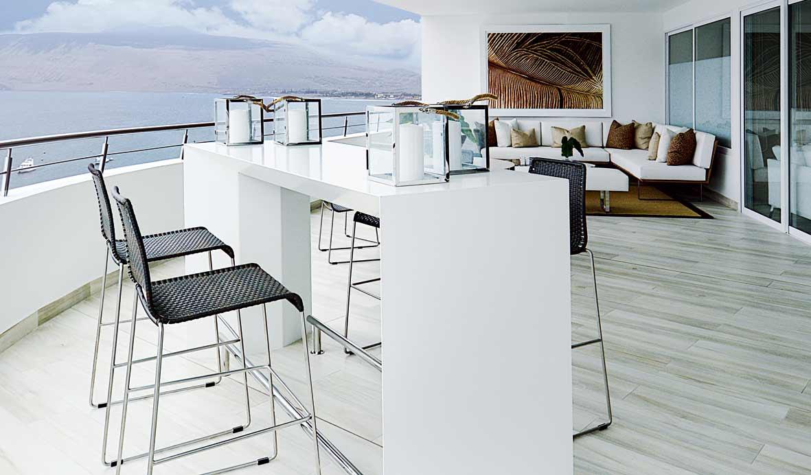 Una moderna casa de playa en Ancón con acento urbano