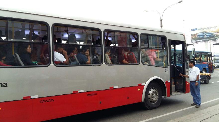 Cabe anotar que de los nuevos 65 buses plomos que empezarán a circular desde este sábado 23, 38 son para la ruta troncal y 27 para el servicio alimentador. (Difusión)
