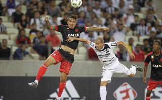 Paolo Guerrero erró penal y Flamengo perdió amistoso ante Ceará