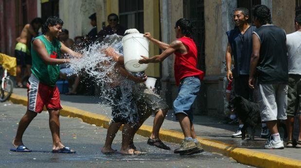 Uso de agua en carnavales equivale a consumo de 4.800 familias