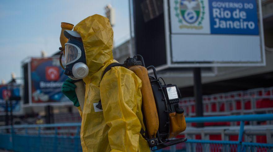 Guerra contra el Zika: Fumigan Sambódromo para Carnaval de Río