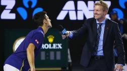 "Djokovic bromeó con entrevistador porque se le ""acercó mucho"""