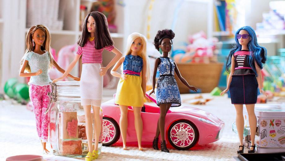 Curvilínea, pequeña y alta: conoce el nuevo universo Barbie
