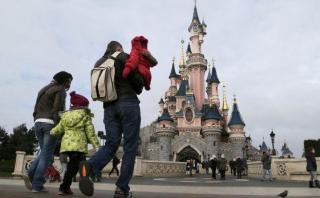 Francia: detienen a hombre armado en hotel de Disneyland París