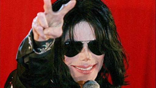 El emblanquecimiento de la piel de Jackson a lo largo del tiempo fue objeto de especulaciones y polémica.