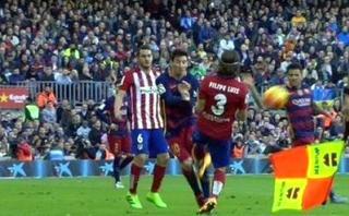 Barcelona: Lionel Messi sufrió terrible falta de Filipe Luis