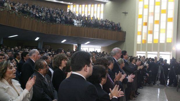 Los pastores van a las urnas: el voto evangélico en el Perú