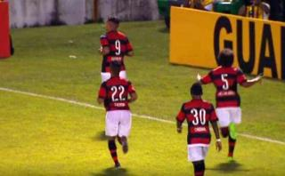 Paolo Guerrero marcó golazo en el inicio del Torneo Carioca