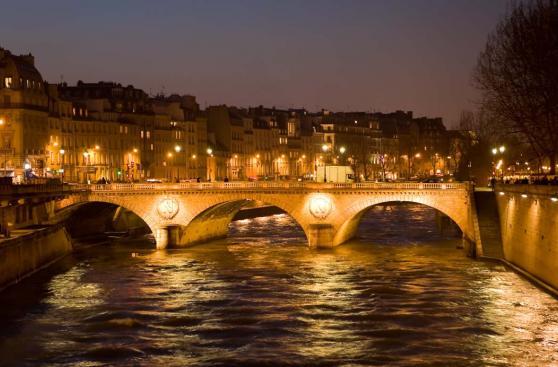 Seis lugares románticos para celebrar San Valentín en París