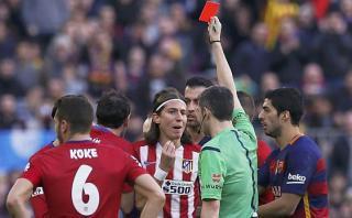 Filipe Luis castigado 3 partidos por 'planchazo' a Lionel Messi