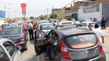 Chiclayo: miles de taxistas generan caos en protesta por multas