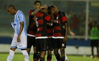 Con Guerrero, Flamengo venció 2-0 a Macaé en Torneo Carioca